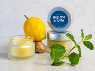 natural-stop-the-snufflejars open and closed with lemon ginger and mint on marble
